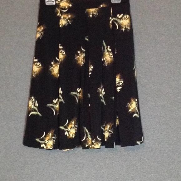 LuLaRoe Dresses & Skirts - LuLaRoe Madison EUC